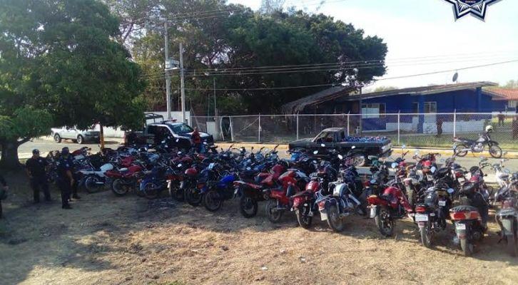 En Juchitán aseguran 140 motos (16:30 h)