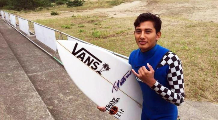 El surfista oaxaqueño Gael Jiménez ocupó el tercer sitio en la Copa ALAS Galápagos 2018 (17:30 h)