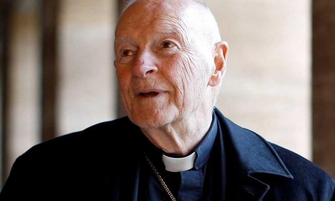 El Papa expulsa a prominente excardenal por abusos sexuales (10:00 h)