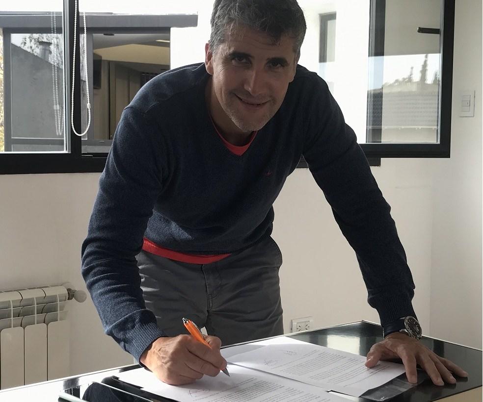 A Domicilio firmó un acuerdo marco con la Universidad Fasta