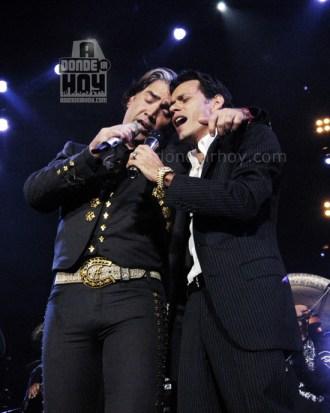 Marc Anthony y Alejandro Fernandez en Costa Rica - Adondeirhoy.com