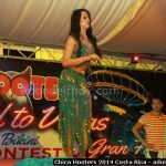 Chica Hooters 2014 Costa Rica 090