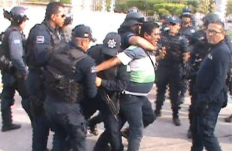 Detención Salvador y Frida.