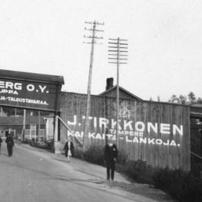 Punainen tukkitie 1928 Valokuvaamo Aira Tampereen museoiden kuva-arkisto