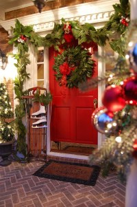 Christmas Porch and Front Door Decorating Ideas  Adorable ...