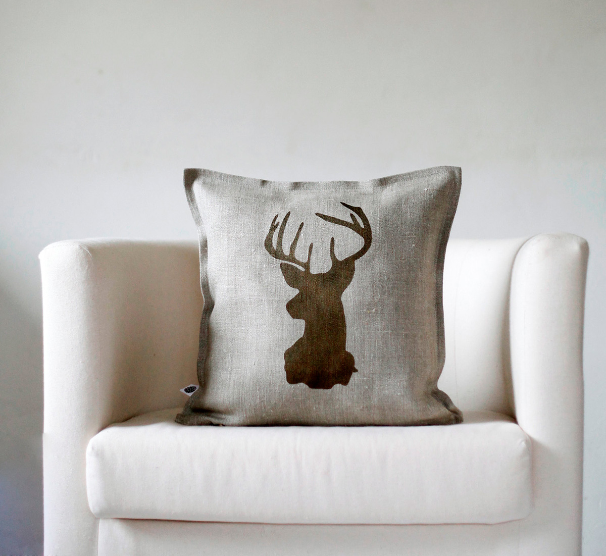 christmas decoration ideas for small living room furniture groups these stylish reindeer pillow covers are made from 100% ...