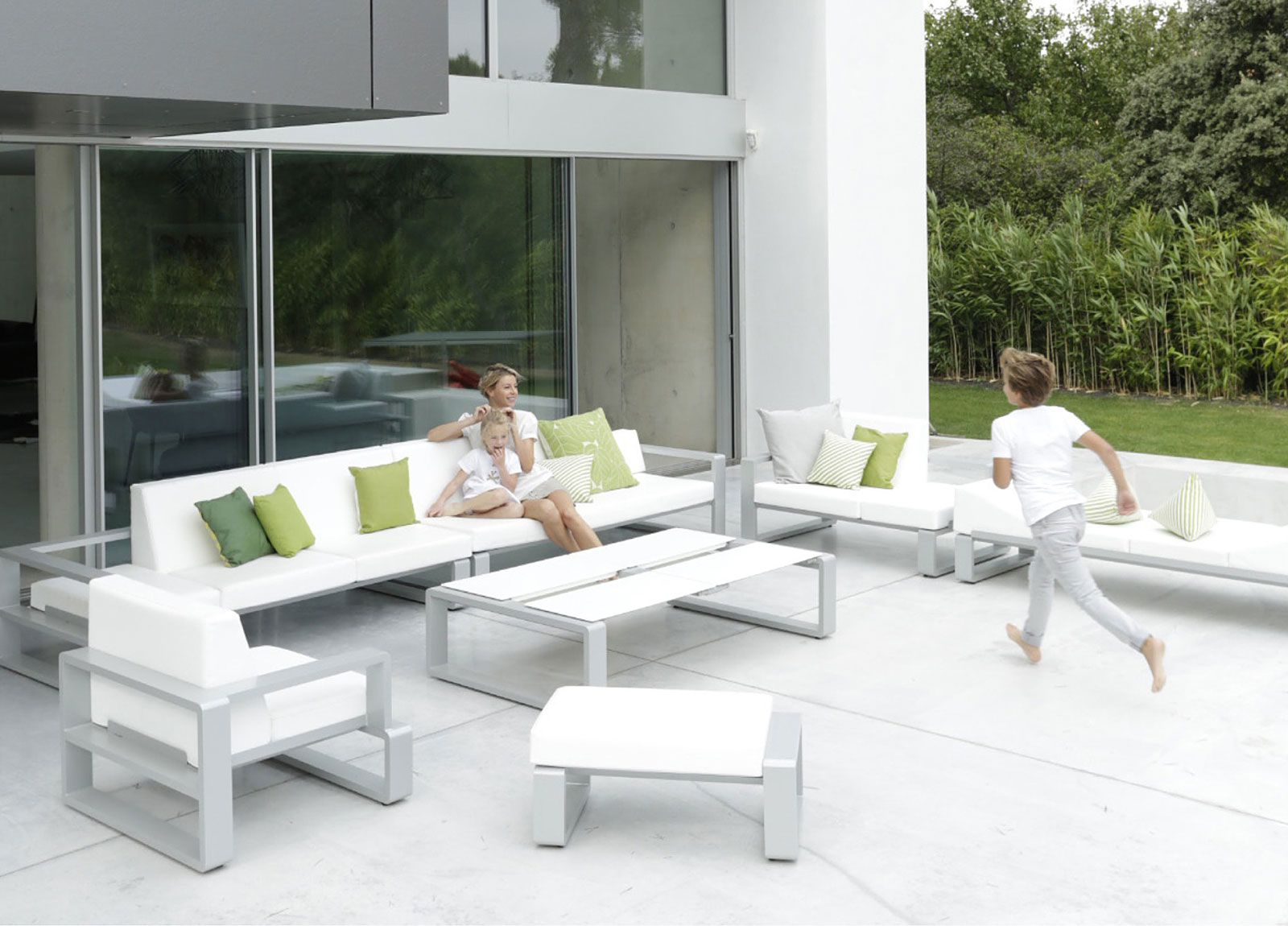Modern Outdoor Chair A Puzzle Of Contemporary Outdoor Furniture Adorable Home