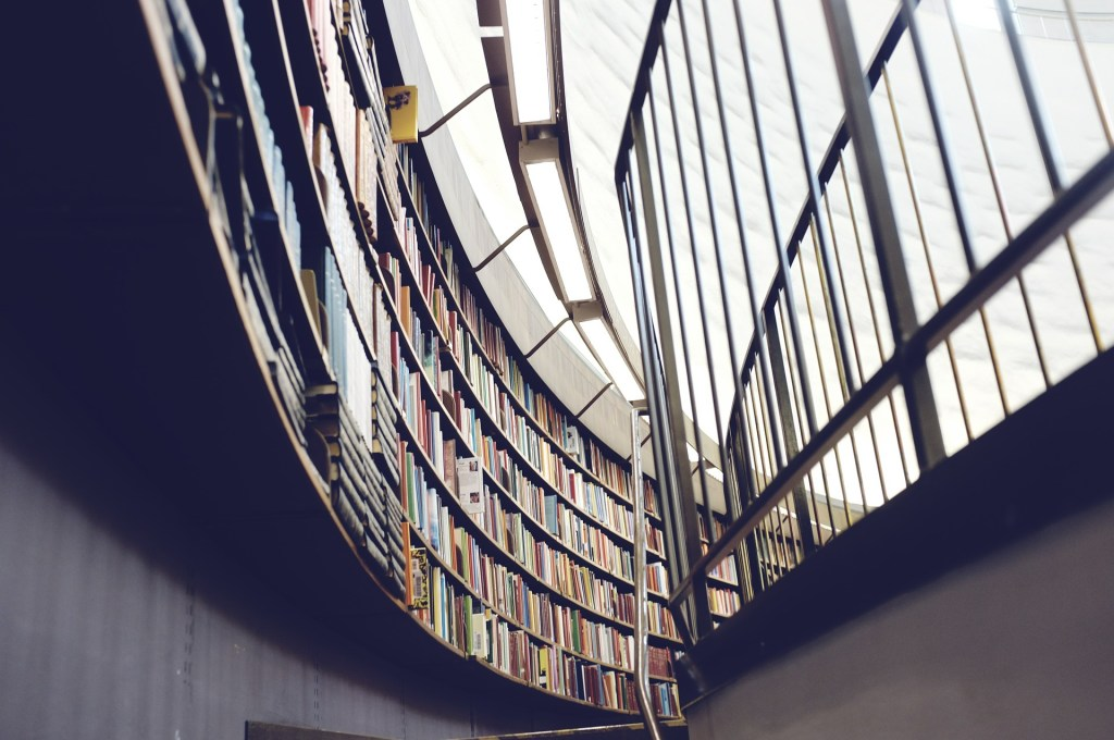 library-438389_1920-1