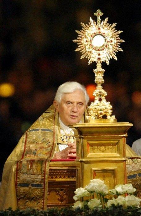 ea8a2667e79841adf26742965f2059e1--roman-catholic-catholic-mass