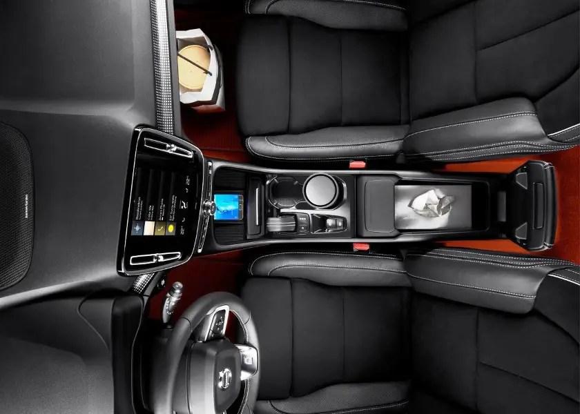 2020 Volvo XC40 Plug-in Hybrid Review