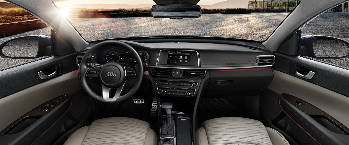 2021 KIA Optima Interior Dashboard Pictures
