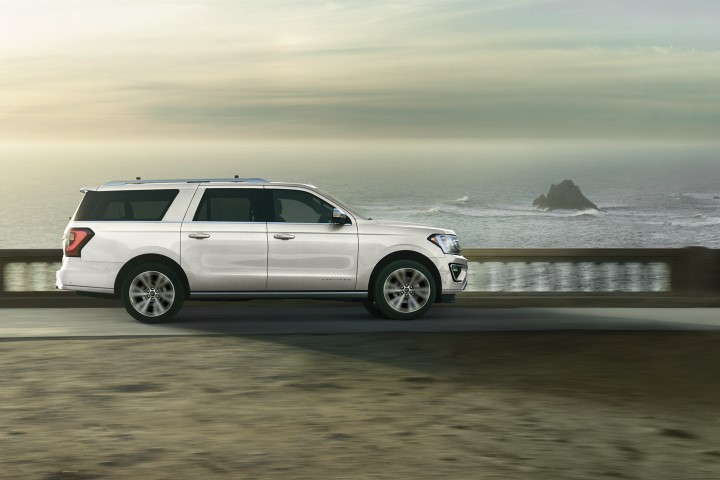 2022 Ford Expedition Oxford White
