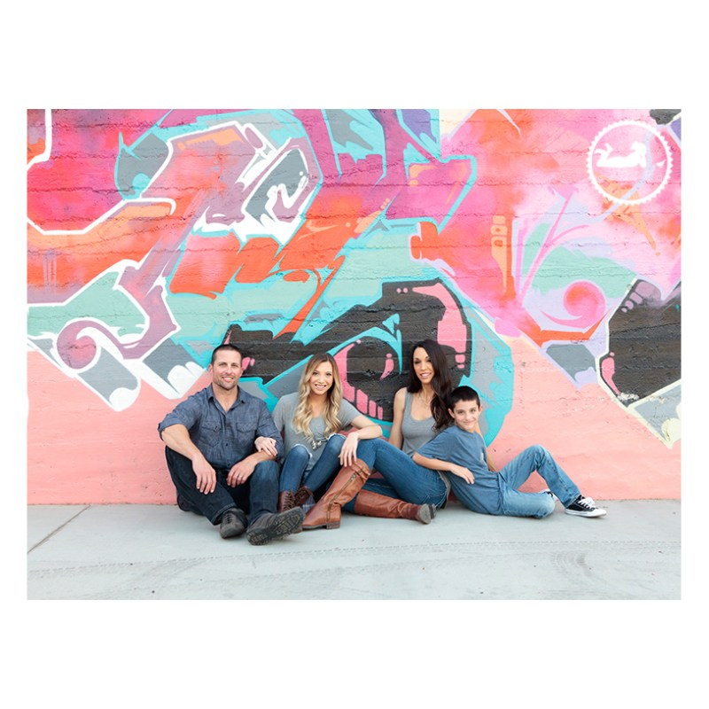 Downtown Kennewick Mural Family photos by Adored by Meghan