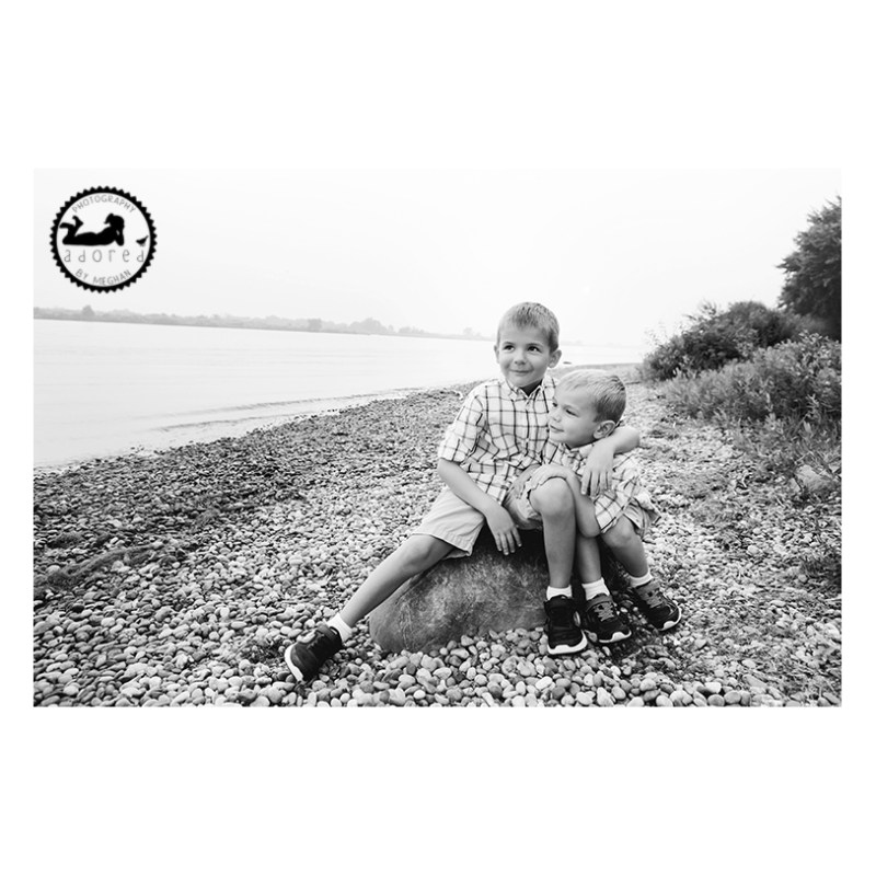 Family portraits on the Columbia River in Pasco WA, with photographer Adored by Meghan Rickard photography.