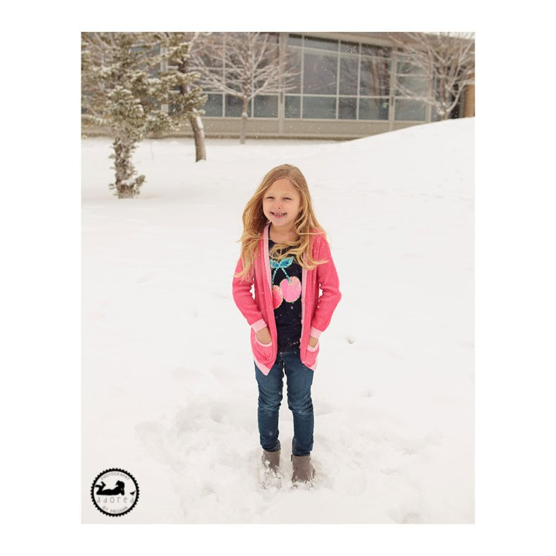 A super quick mini-session in the snow with Adored by Meghan. Kennewick, WA.