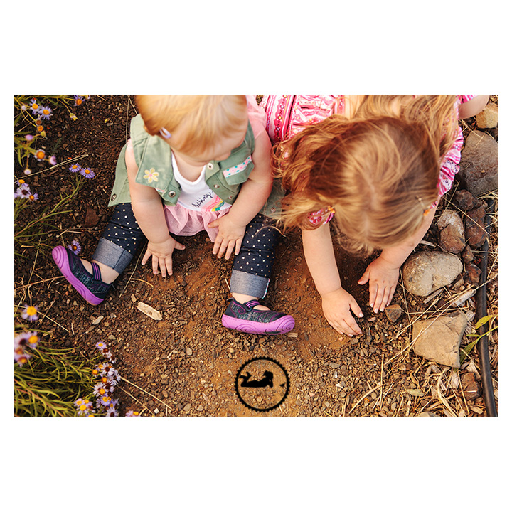 Sisters digging in the dirt, photo by Adored by Meghan Kennewick, WA
