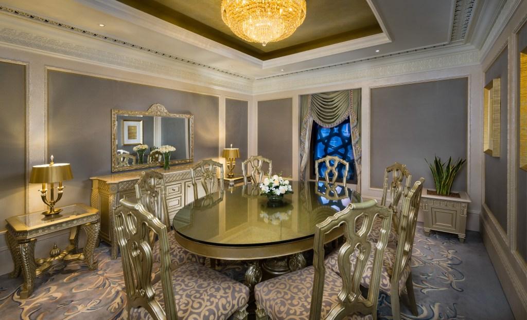 21Emirates+Palace+-+Royal+Khaleej+Suite+Dining+Room