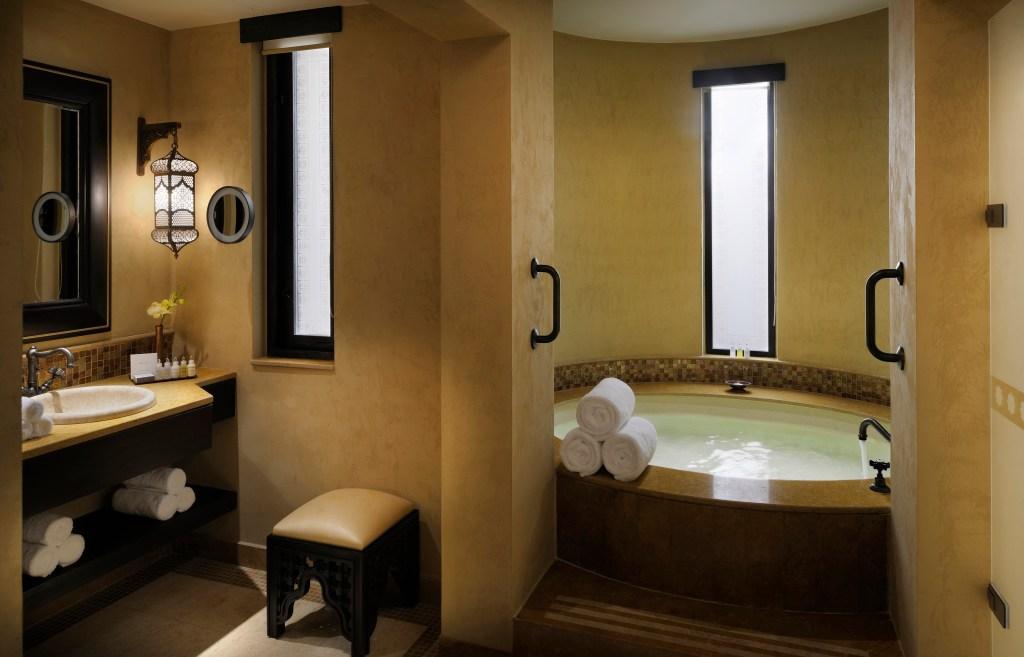 23Room_Bathroom