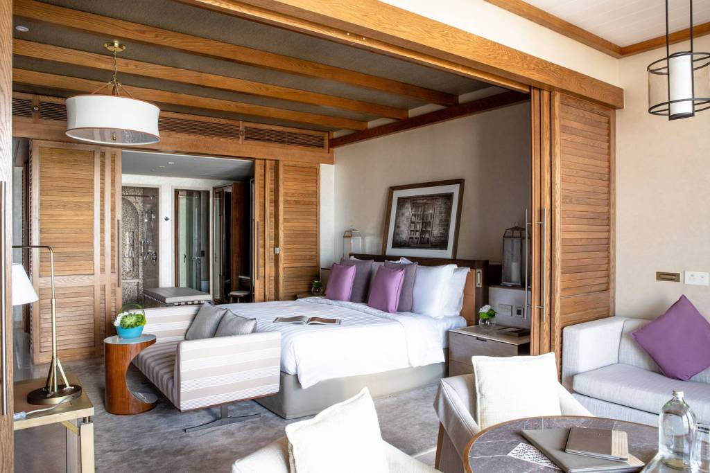 jumeirah-al-naseem-ocean-resort-superior-bedroom-6-4_landscape