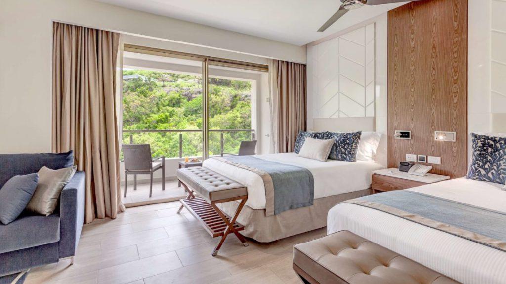 Royalton_Antigua_Luxury_Junior_Mountain_View_Hi_Res_005-1
