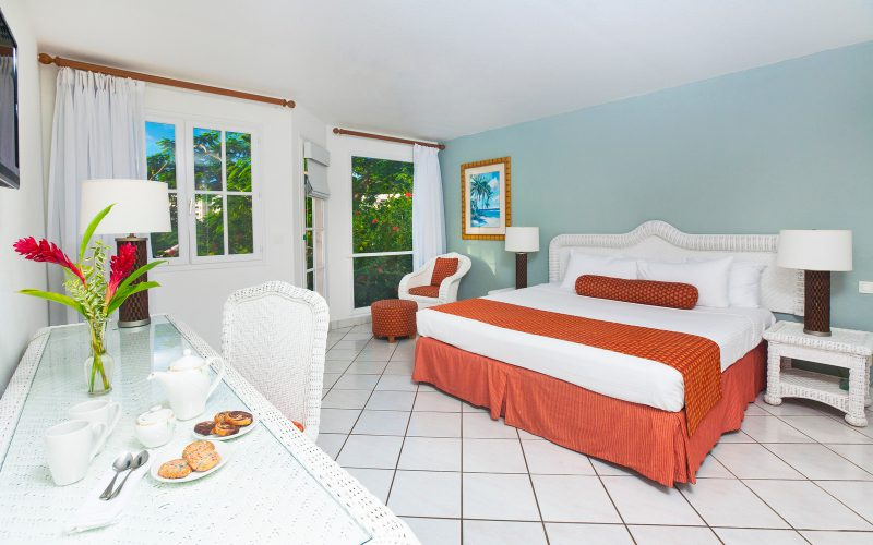 StJamesClubMorganBay-Accommodation-Garden-View-King-X3-800x500