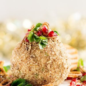 Maple Roasted Pecan Cheese Ball