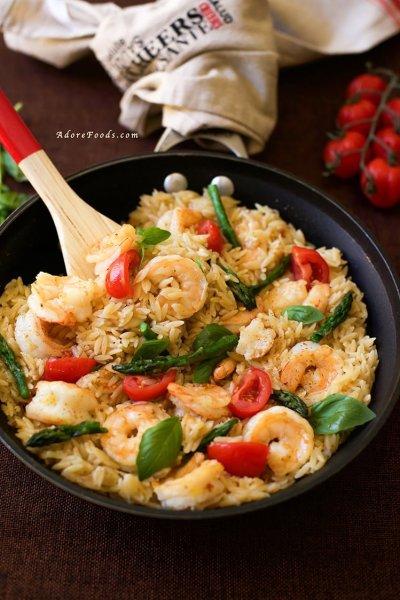 One Pan Shrimp and Basil Orzo/ Risoni Pasta