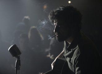 Szenenbild aus INSIDE LLEWYN DAVIS - Llewyn Davis (Oscar Isaac) - © Studiocanal