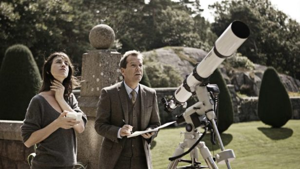 Szenenbild aus MELANCHOLIA - Kapitel 2: Claire (Charlotte Gainsbourg) und John (Kiefer Sutherland) - © Concorde Filmverleih