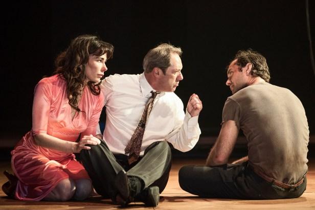 Halina Reijn, Gijs Scholten van Aschat und Jude Law - Photo by Jan Versweyveld