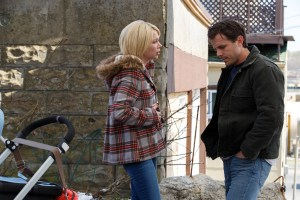 Filmstill aus MANCHESTER BY THE SEA (2016) von Kenneth Lonergan, Randi (Michelle Williams) und Lee (Casey Affleck) treffen sich wieder - © Universal Pictures Germany