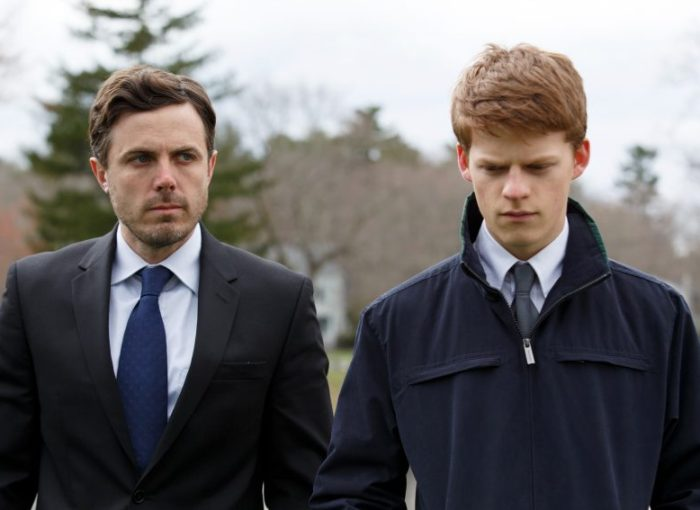 Filmstill aus MANCHESTER BY THE SEA von Kenneth Lonergan, Lee (Casey Affleck) und Patrick (Lucas Hedges), Copyright Universal Pictures Germany