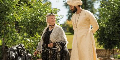 Szenenbild aus VICTORIA & ABDUL (2017) - Königin Victoria (Judi Dench) und Abdel Karim (Ali Fazal) - © Universal Pictures