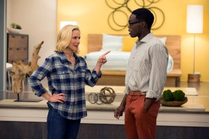 Szenenbild aus der 1. Staffel von THE GOOD PLACE - Eleanor (Kristen Bell) und Chidi (William Jackson Harper) - © Justin Lubin/NBC