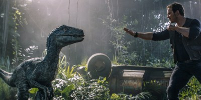 Szenenbild aus JURASSIC PARK - FALLEN KINGDOM - Blue und Owen (Chris Pratt) sehen sich wieder - © Universal Pictures