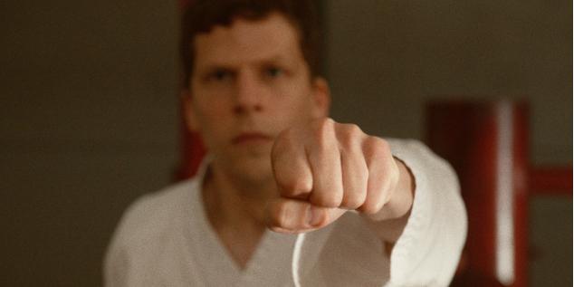 Szenenbild aus THE ART OF SELF-DEFENSE - Casey (Jesse Eisenberg) - © Universal Pictures