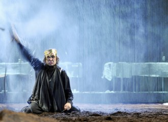 Szenenbild aus HAMLET - Schaubühne Berlin - Photo by Arno Declair