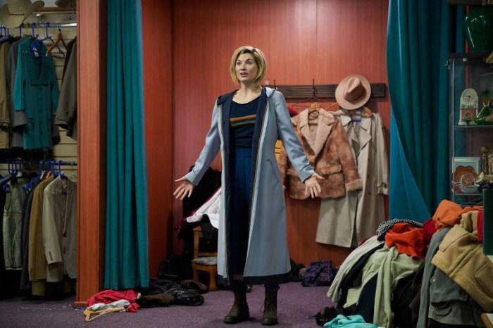Szenenbild aus Doctor Who - 11. Staffel - Neues Outfit für den Doctor (Jodie Whittaker) - © Polyband Medien