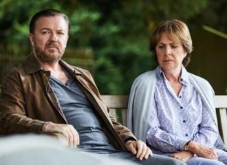 Szenenbild aus AFTER LIFE - 1. Staffel (2019) - Tony (Ricky Gervais) und Anne ( Penelope Wilton) - © Netflix