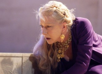 Szenenbild aus PHÈDRE (2009) - Phèdre (Helen Mirren) - © Catherine Ashmore