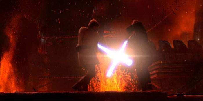 Szenenbild aus STAR WARS 3: EPISODE 3 - REVENGE OF THE SITH - Anakin (Hayden Christensen) gegen Obi-Wan (Ewan McGregor) - © Lucasfilm