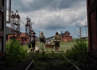 Szenenbild aus A QUIET PLACE 2 - Marcus (Noah Jupe), Evelyn (Emily Blunt) und Regan (Millicent Simmonds) - © Paramount Pictures