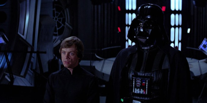 Szenenbild aus STAR WARS: EPISODE 6 - RETURN OF THE JEDI - Luke (Mark Hamill) und Darth Vader (David Prowse) - © 20th Century Fox
