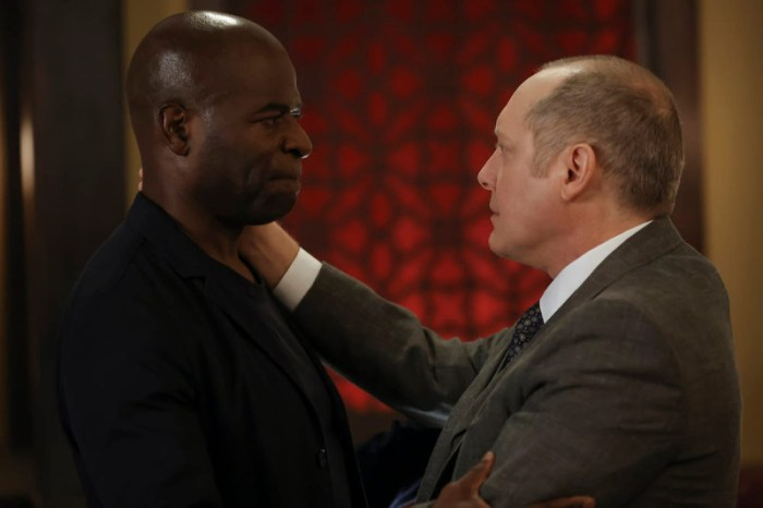 Szenenbild aus THE BLACKLIST - Staffel 8 - Dembe  (Hisham Tawfiq) und Reddington (James Spader) - © NBC