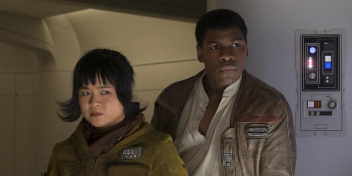 Szenenbild aus THE LAST JEDI - Rose (Kelly Marie Tran) und Finn (John Boyega) - © Disney