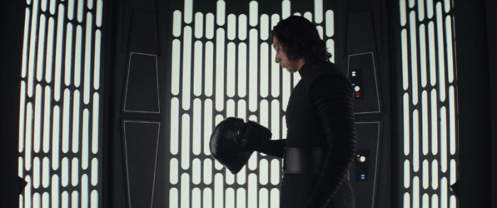 Szenenbild aus STAR WARS - THE LAST JEDI - Kylo Ren (Adam Driver) - © Disney