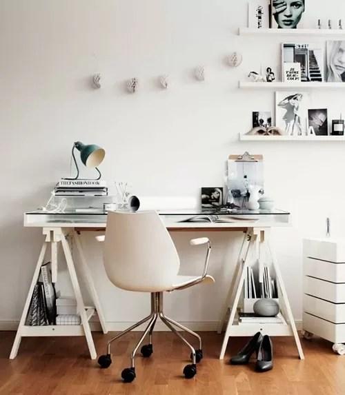 escrivaninha com cavalete