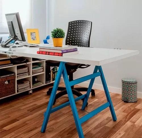 escrivaninhas de cavalete