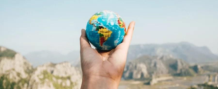 Vaga para viajar o mundo com salário de R$ 9 mil