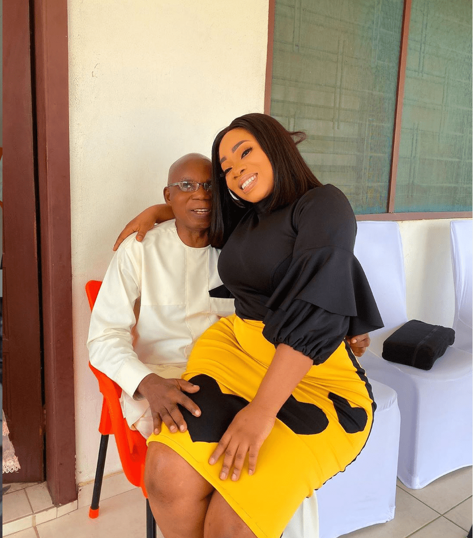 Moesha Boduong fans react after she shares photo of her sitting on her dad's lap